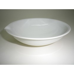 Evaporating dish 420 ml porcelain with spout and round bottom