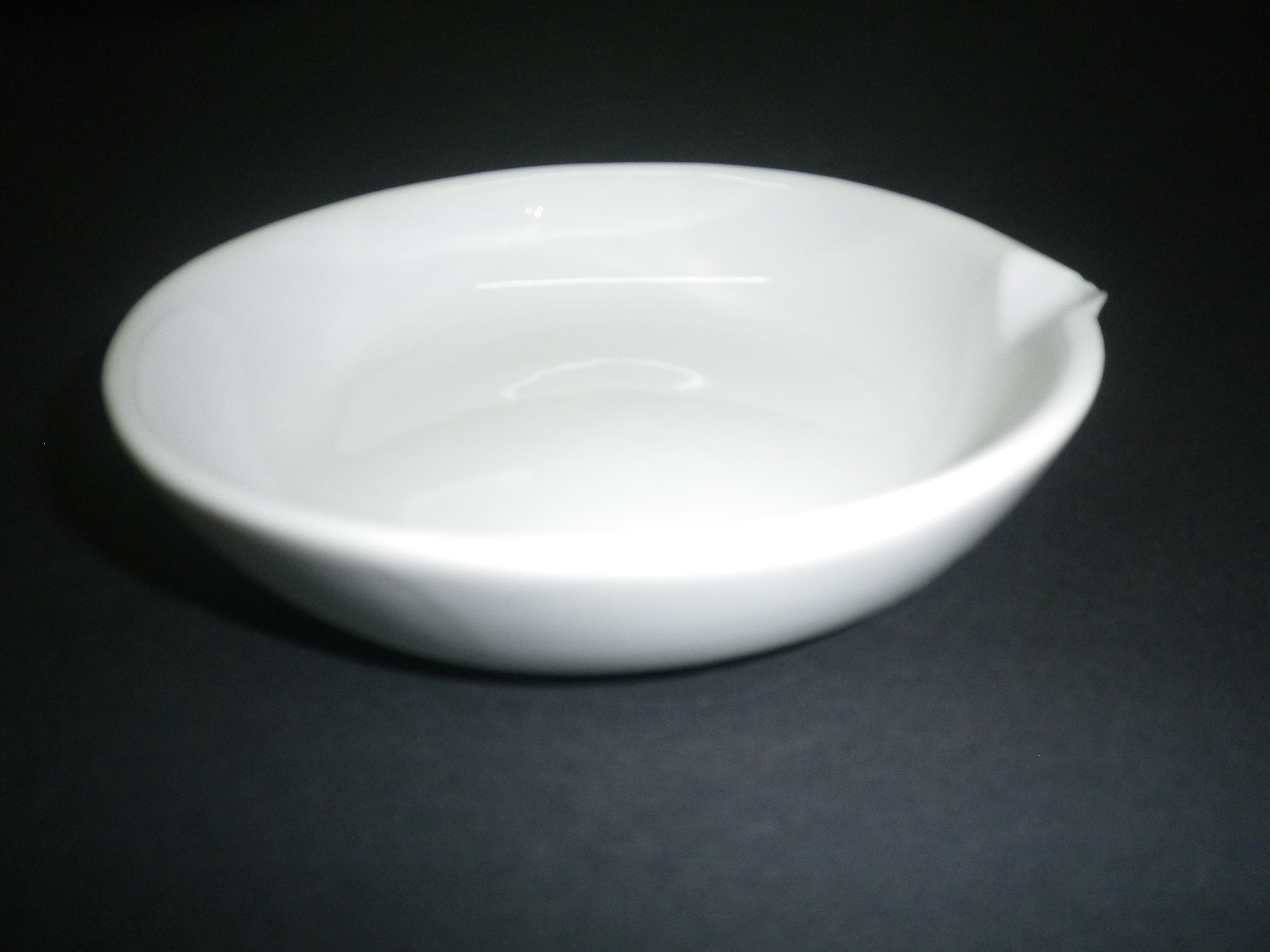 Evaporating dish 40 ml, porcelain, with spout and flat bottom - SIM ... for Evaporating Dish Laboratory Apparatus  166kxo