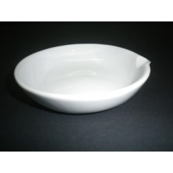 Evaporating dish 20 ml, porcelain, glazed, with spout and flat bottom